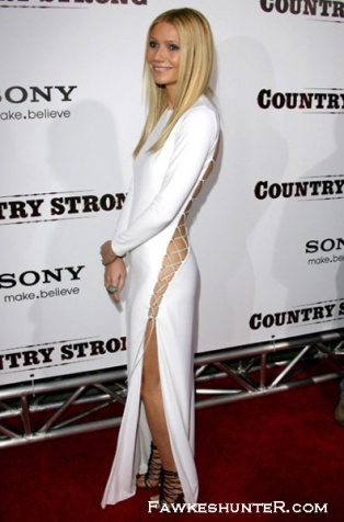 Daring in Pucci at the Country Strong Premiere 2010