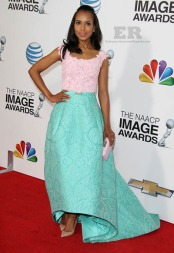 Maybe my fave of all. I love the color of this Oscar de la Renta Gown at the NCAAP Image Awards. It looks so fresh.