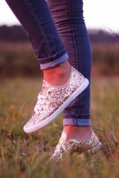 Rock gold glitter